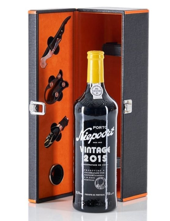 A Bottle of 2015 Vintage Gift Set