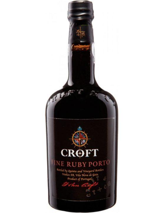 Une bouteille de Croft Fine Ruby Porto