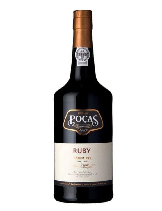 Une bouteille de Poças Ruby Porto
