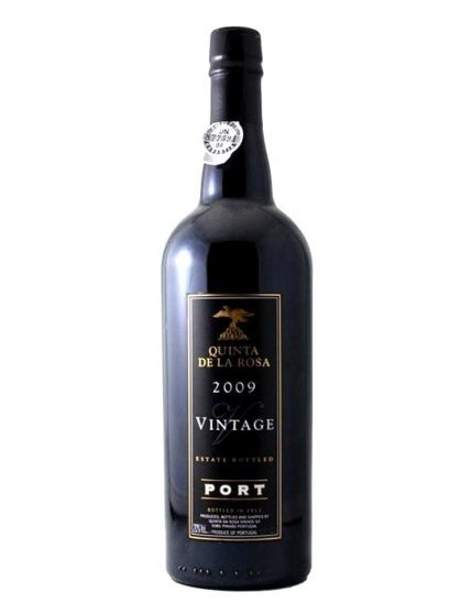 Une bouteille de Quinta de la Rosa Vintage 2009 Magnum